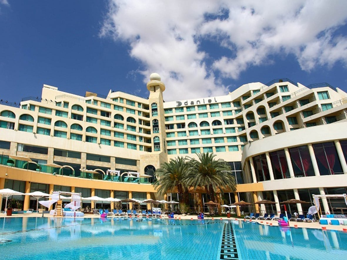 Daniel Dead Sea Hotel swimming pool