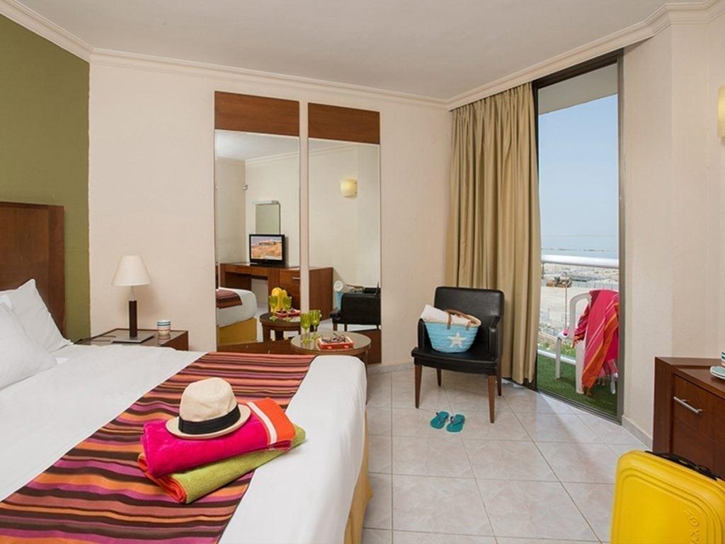 Leonardo Plaza Dead Sea Hotel superior room